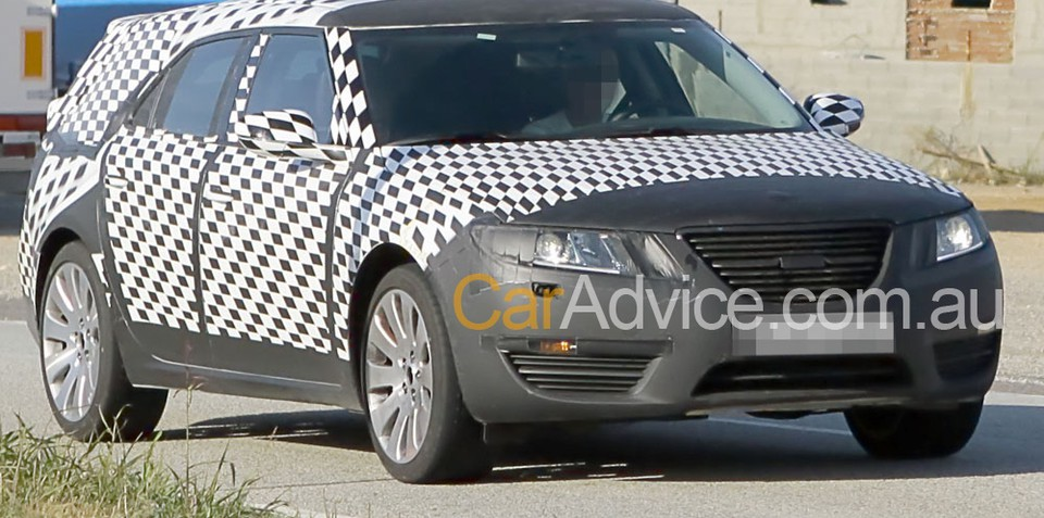 Saab 9-5 Estate spy photos
