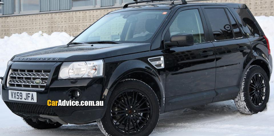 Land Rover LRX mule spy photos