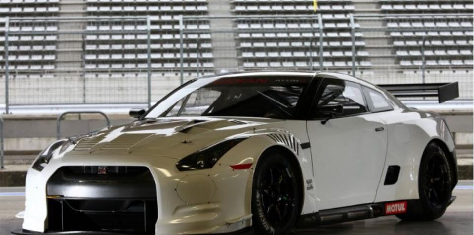 Nissan Releases Images For FIA-GT1 GT-R Race Car