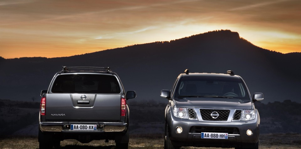 2010 nissan navara pathfinder revealed no v6 diesel for australia. Black Bedroom Furniture Sets. Home Design Ideas