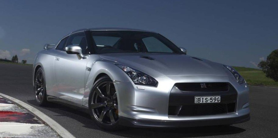 2010-2011 Nissan GT-R revisions