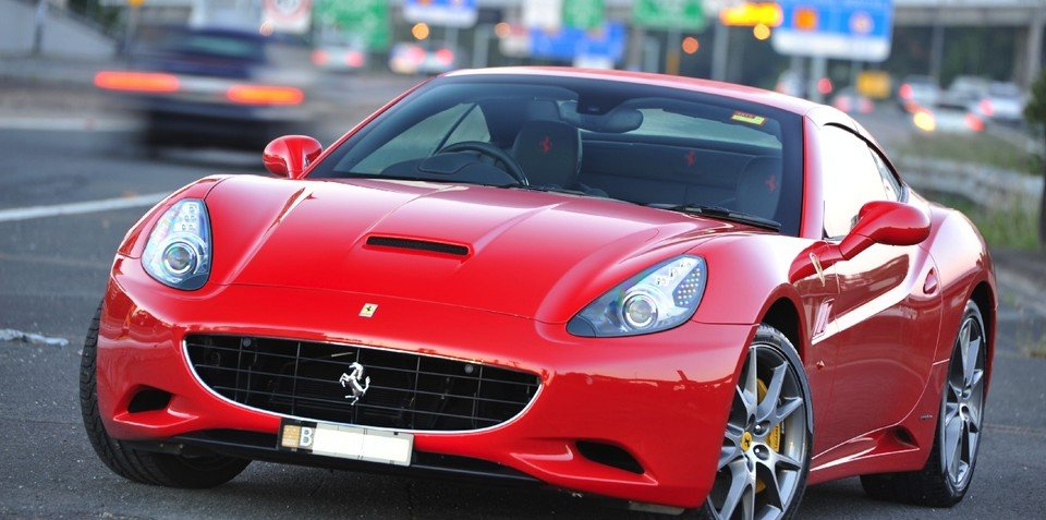 2011 Ferrari California HELE offers reduced CO2 emissions