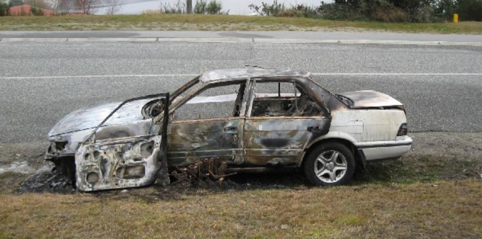 NZ man sets own car on fire after it broke down