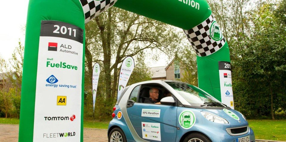 smart fortwo CDI wins MPG Marathon with 2.85L/100km rating
