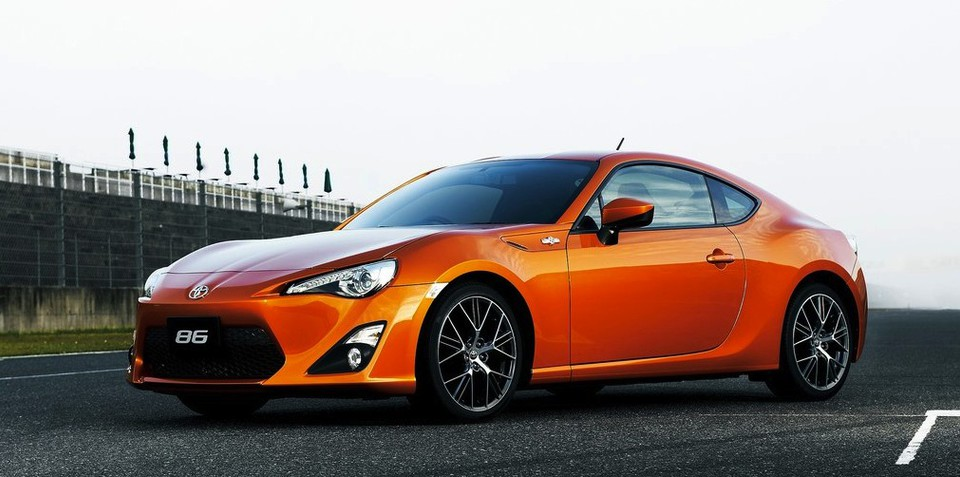 Toyota forecasts huge profit growth in 2013