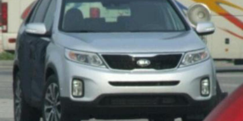 2013 Kia Sorento facelift uncovered