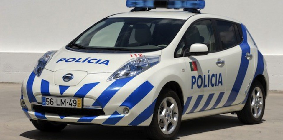 Nissan Leaf police car: blue and red go green