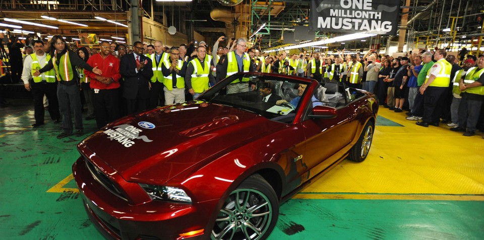 Ford Mustang celebrates twin production milestones