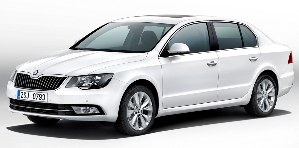 2013 Skoda Superb: revised styling, better efficiency