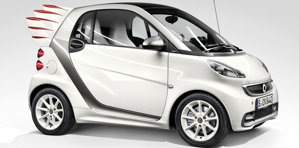 Smart Fortwo by Jeremy Scott: city car with wings takes flight