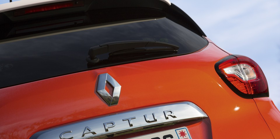 Renault Captur could have been safer with curtain airbags, admits exec