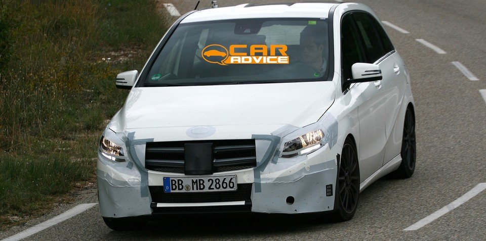 Mercedes-Benz B-Class: facelifted MPV spied