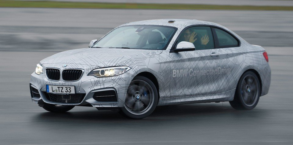 BMW previews hands-free performance driving system