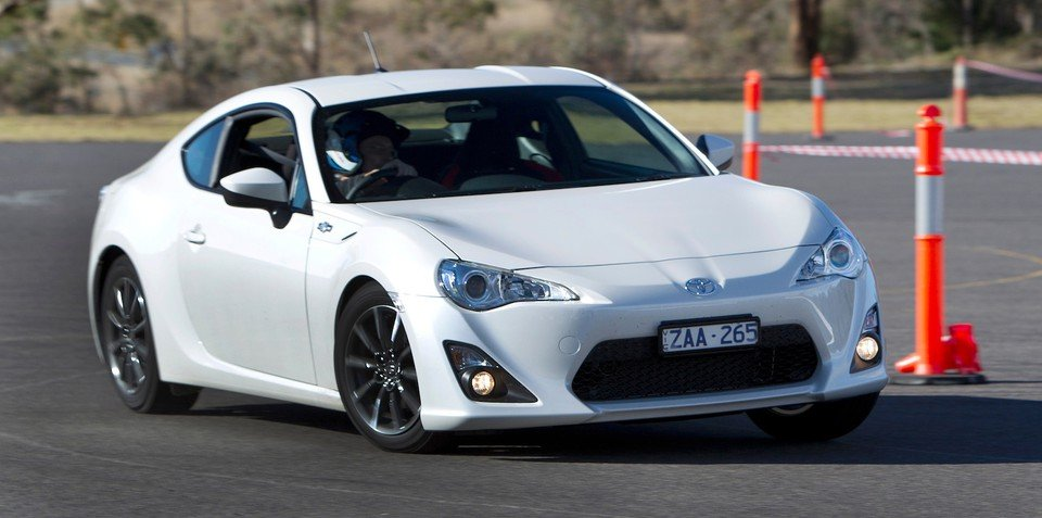 Sports car sales 2013 : Toyota 86 claims victory in entertainment stakes