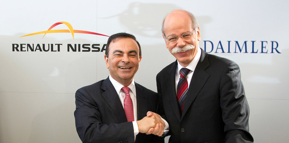 http://s3.caradvice.com.au/thumb/960/477/wp-content/uploads/2014/05/dieter-zetsche-carlos-ghosn-shaking-hands-2000px.jpg