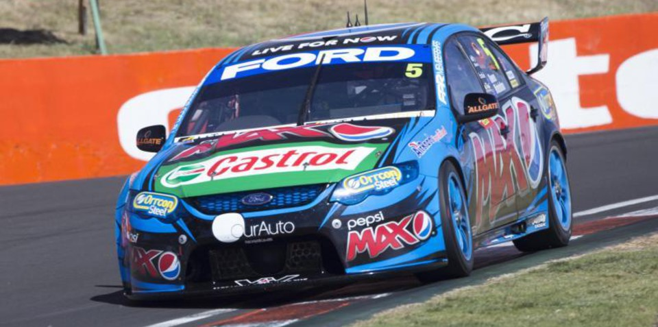 Ford Australia to quit V8 Supercars in 2015
