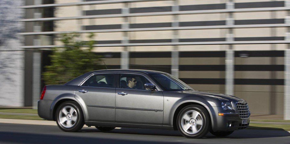 chrysler 300 more models recalled over takata airbag issue. Black Bedroom Furniture Sets. Home Design Ideas