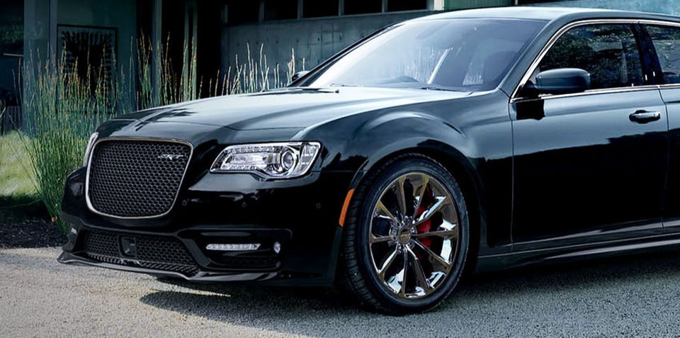 2016 chrysler 300 srt8 here soon power bump new auto price hike