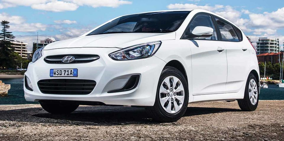 2015 hyundai accent pricing and specifications. Black Bedroom Furniture Sets. Home Design Ideas