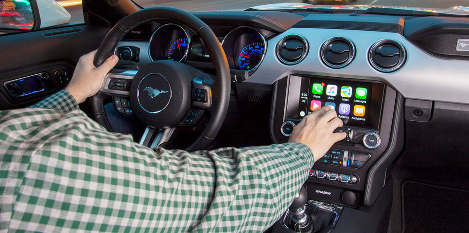 apple carplay and android auto come to ford sync 3 fiat chrysler uconnect. Black Bedroom Furniture Sets. Home Design Ideas