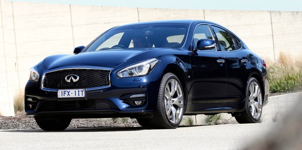 2016 Infiniti Q70 pricing and specifications