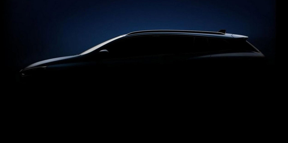 2017 Renault Megane wagon teased, Australian debut confirmed