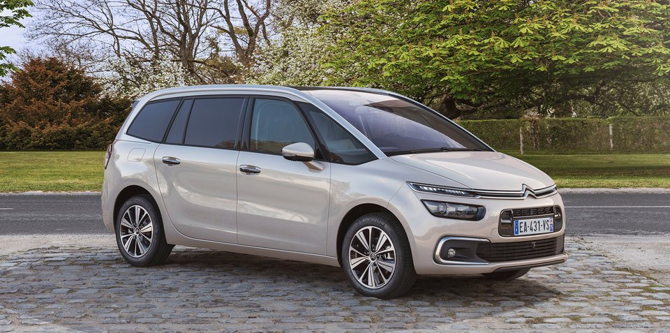 2017 citroen c4 picasso grand picasso facelift unveiled. Black Bedroom Furniture Sets. Home Design Ideas