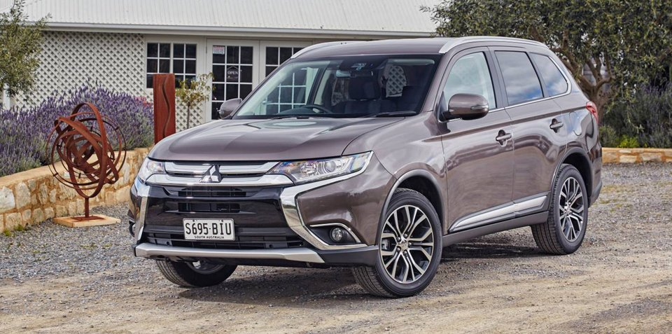 2017 Mitsubishi Outlander pricing and specs: New infotainment and added safety features