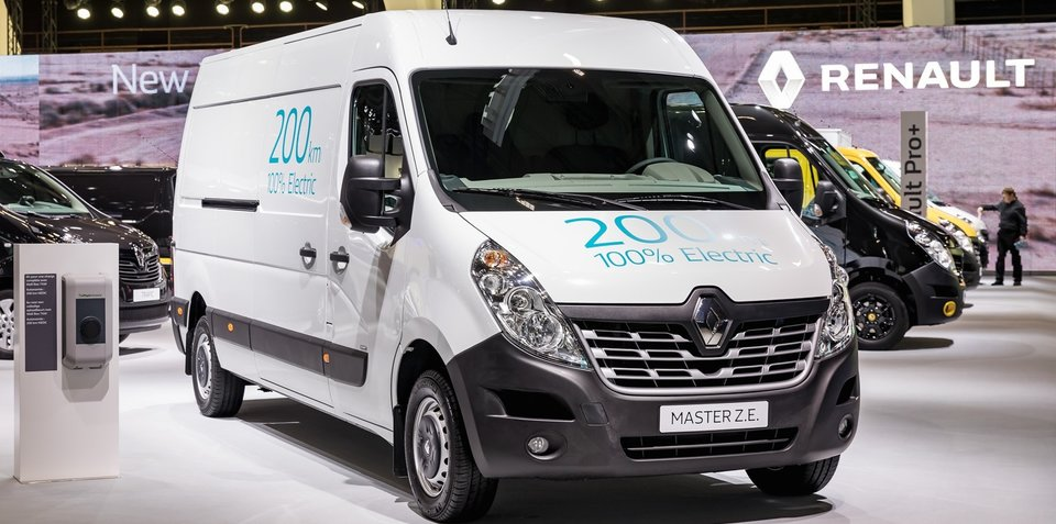 renault adds updated kangoo ze new master ze to electric. Black Bedroom Furniture Sets. Home Design Ideas