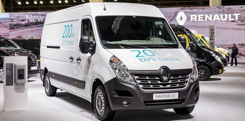 renault adds updated kangoo ze new master ze to electric commercial van range. Black Bedroom Furniture Sets. Home Design Ideas