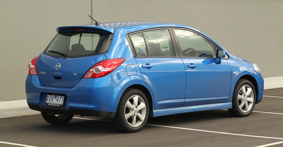 Nissan Tiida Road Test and Review