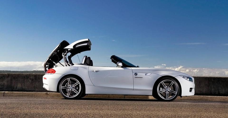 Bmw Z4 Gets Four Cylinder Turbo Engine Available From
