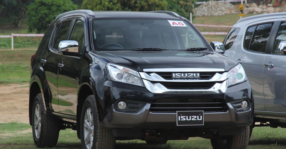 Isuzu MU-X Review
