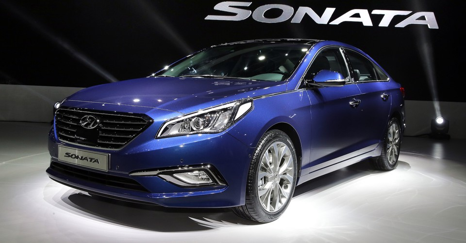 2014 hyundai sonata revealed. Black Bedroom Furniture Sets. Home Design Ideas