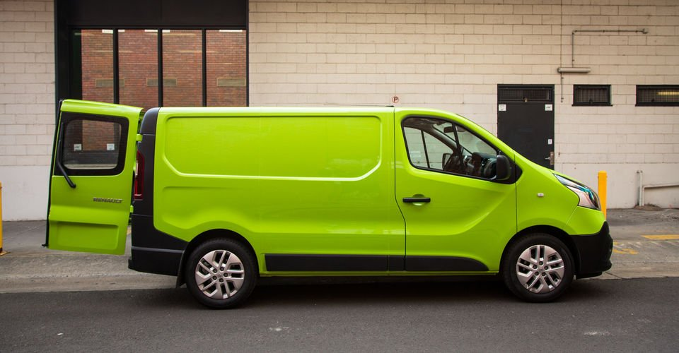 2015 Renault Trafic L1H1 twin-turbo Review