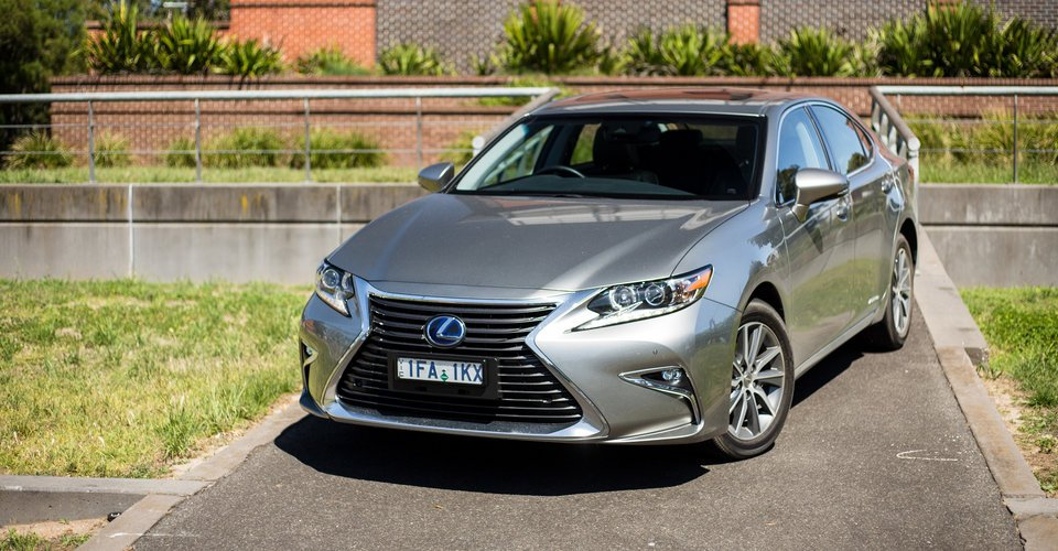 2016 lexus es300h review caradvice. Black Bedroom Furniture Sets. Home Design Ideas