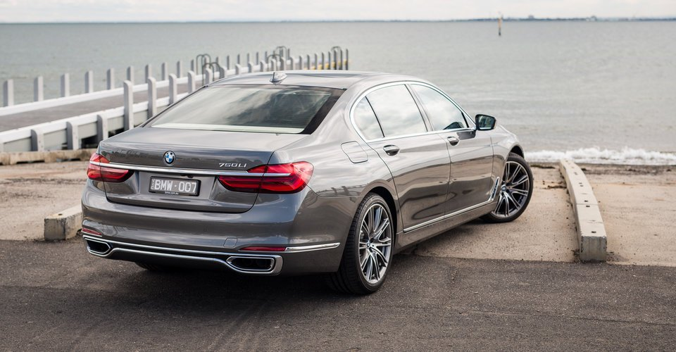 2016 BMW 750i and 750Li Review