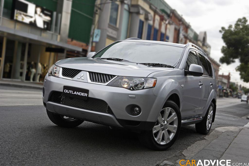 2008 Mitsubishi Outlander Photos 1 Of 8