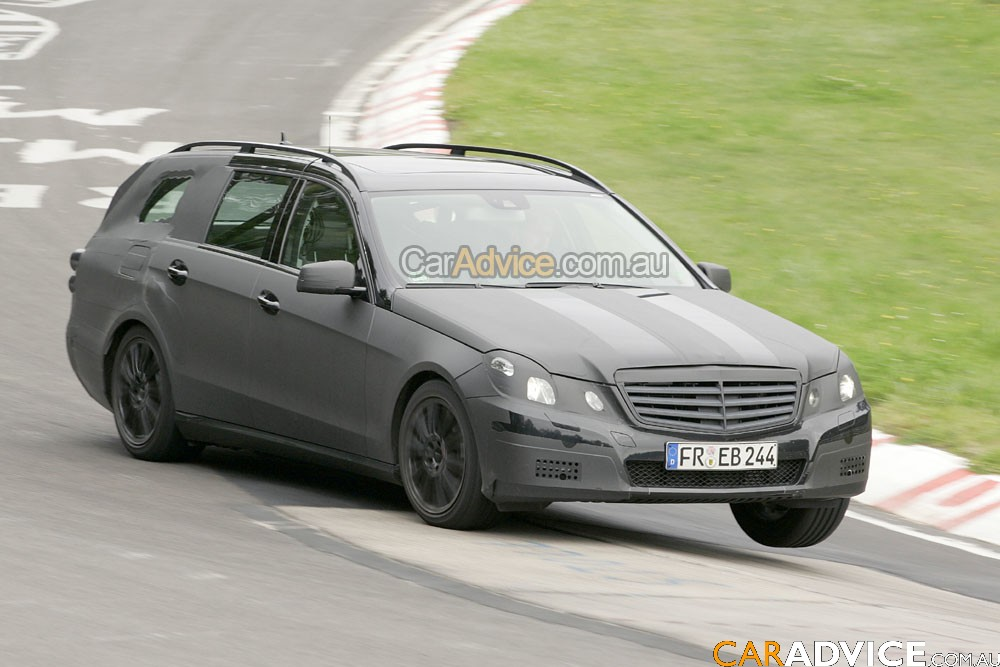 Mercedes benz e class estate spied photos 1 of 10 for Mercedes benz estate cars