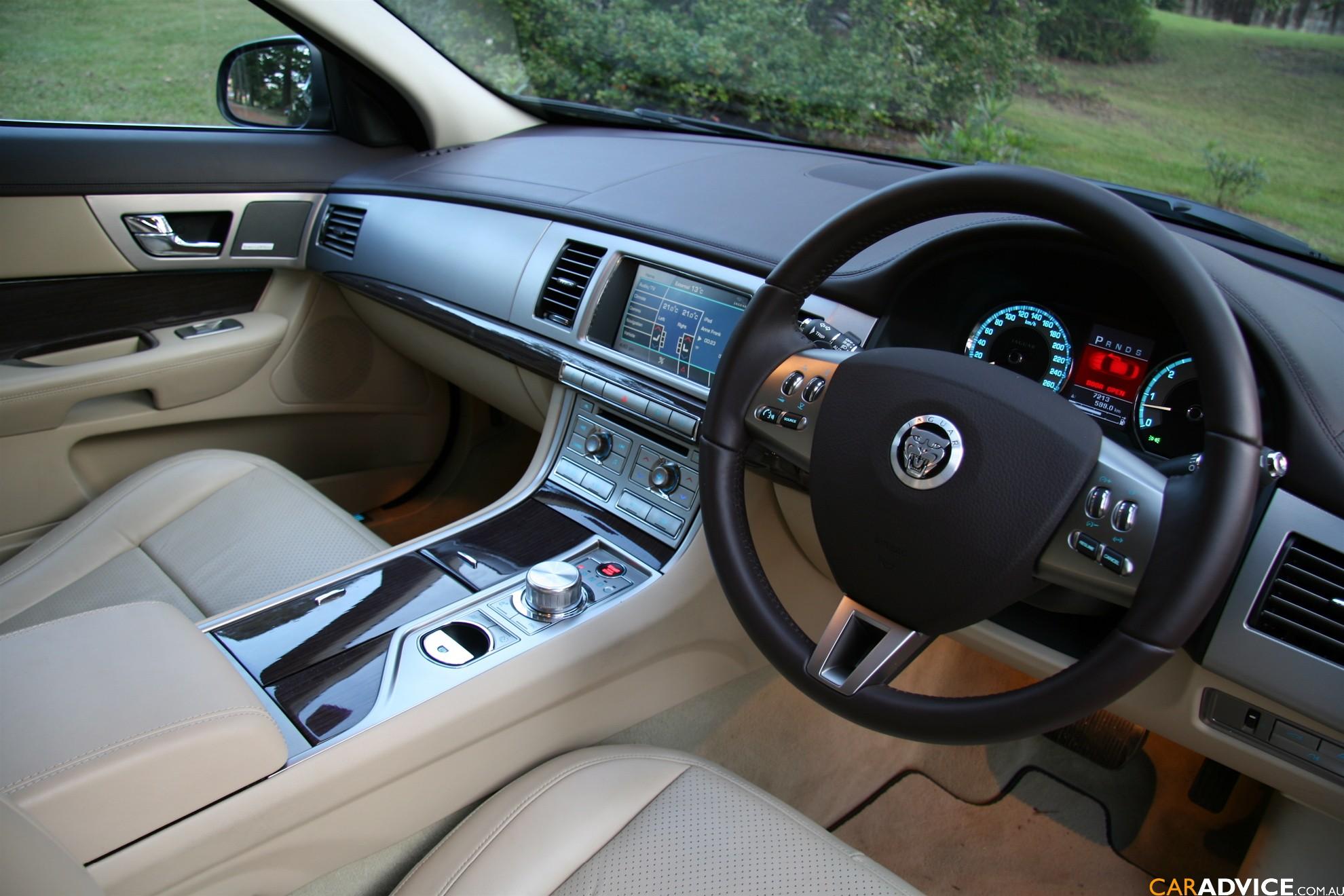 Jaguar Xf Interior Night