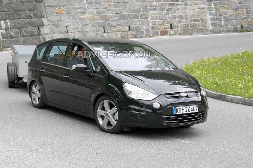 2010 ford s max facelift spied photos 1 of 5. Black Bedroom Furniture Sets. Home Design Ideas