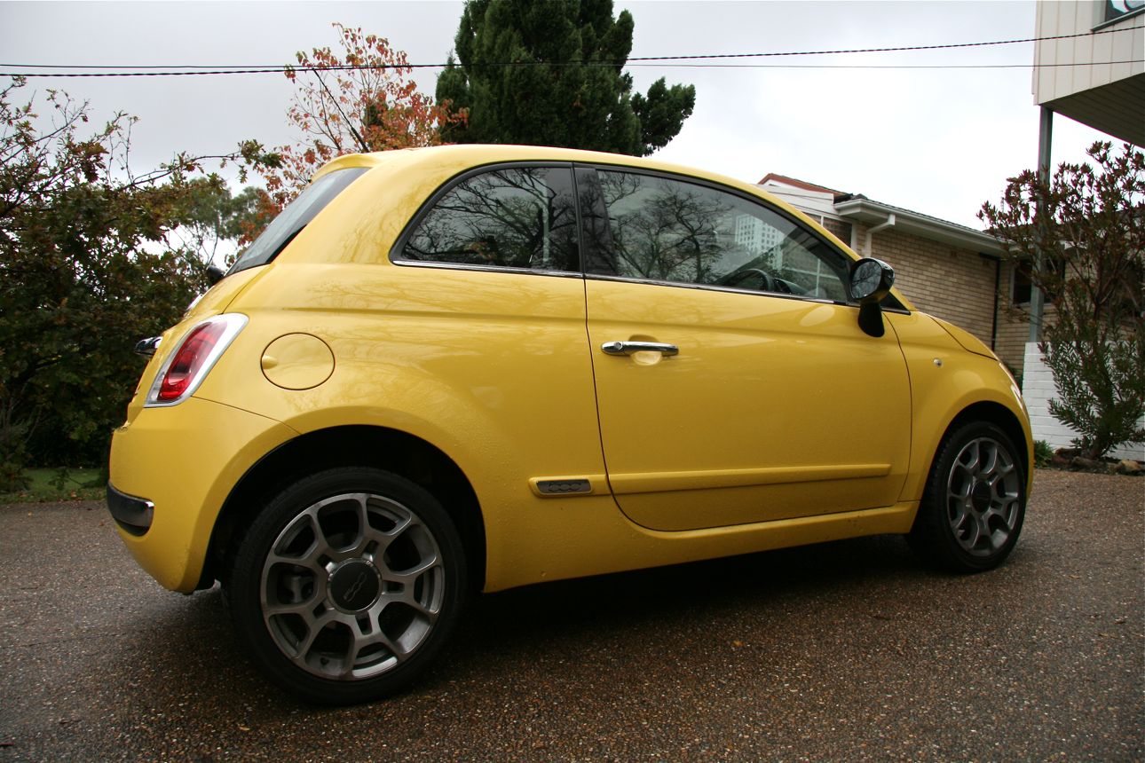 fiat 500 and microsoft blue me photos 1 of 10. Black Bedroom Furniture Sets. Home Design Ideas