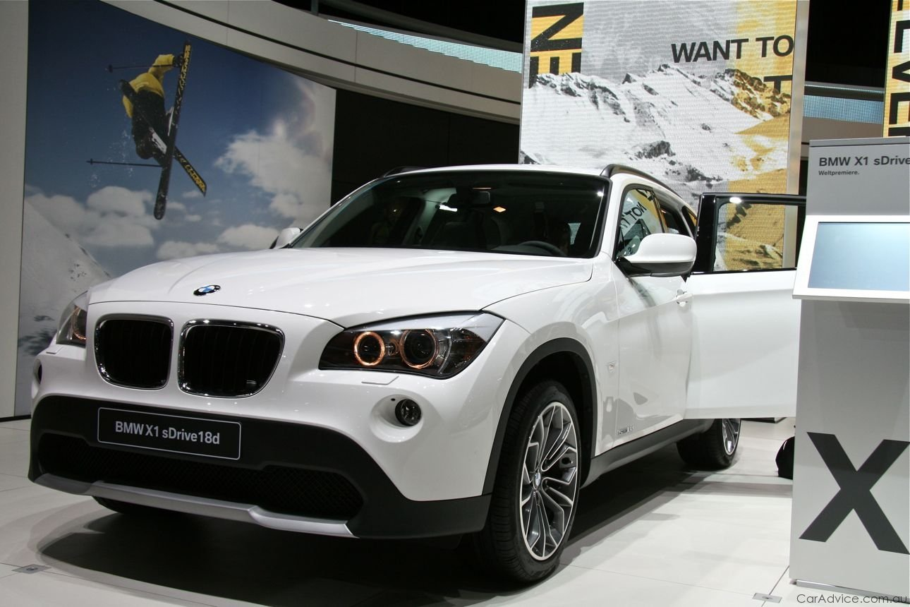 bmw x1 launched bmw 39 s entry suv x1 photos 1 of 31. Black Bedroom Furniture Sets. Home Design Ideas