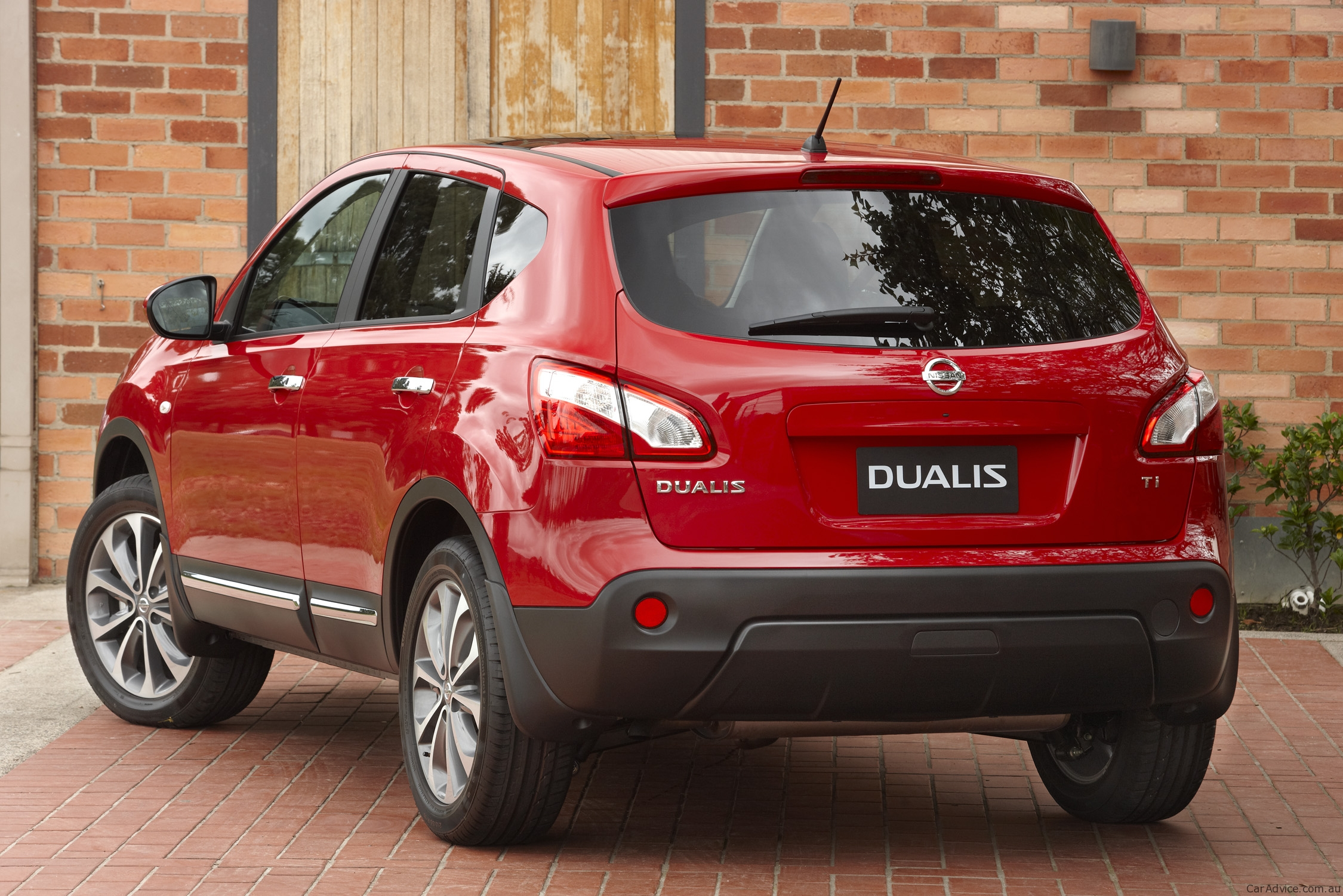 Nissan Dualis Review & Nissan Dualis+2 Review | CarAdvice
