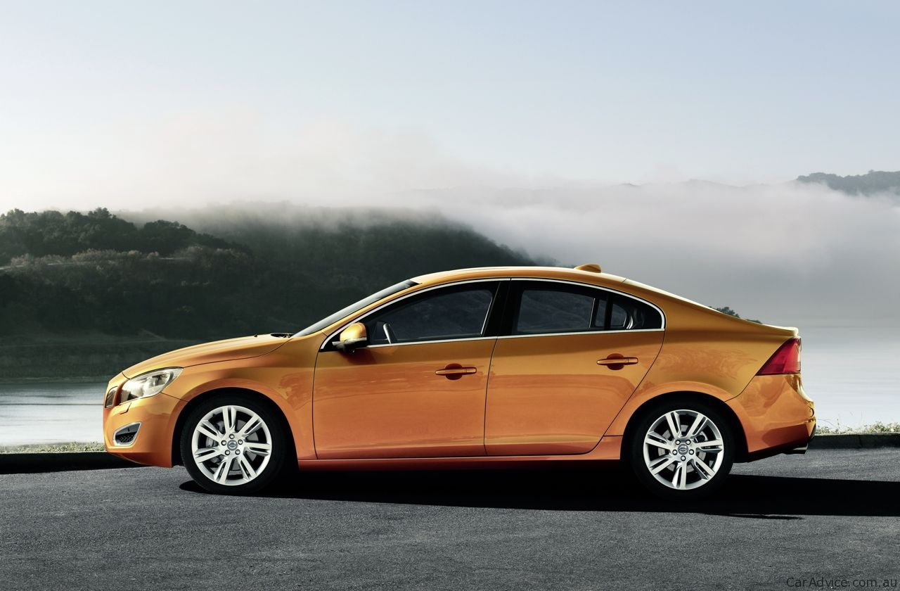 volvo s60 prices and specifications photos 1 of 9. Black Bedroom Furniture Sets. Home Design Ideas