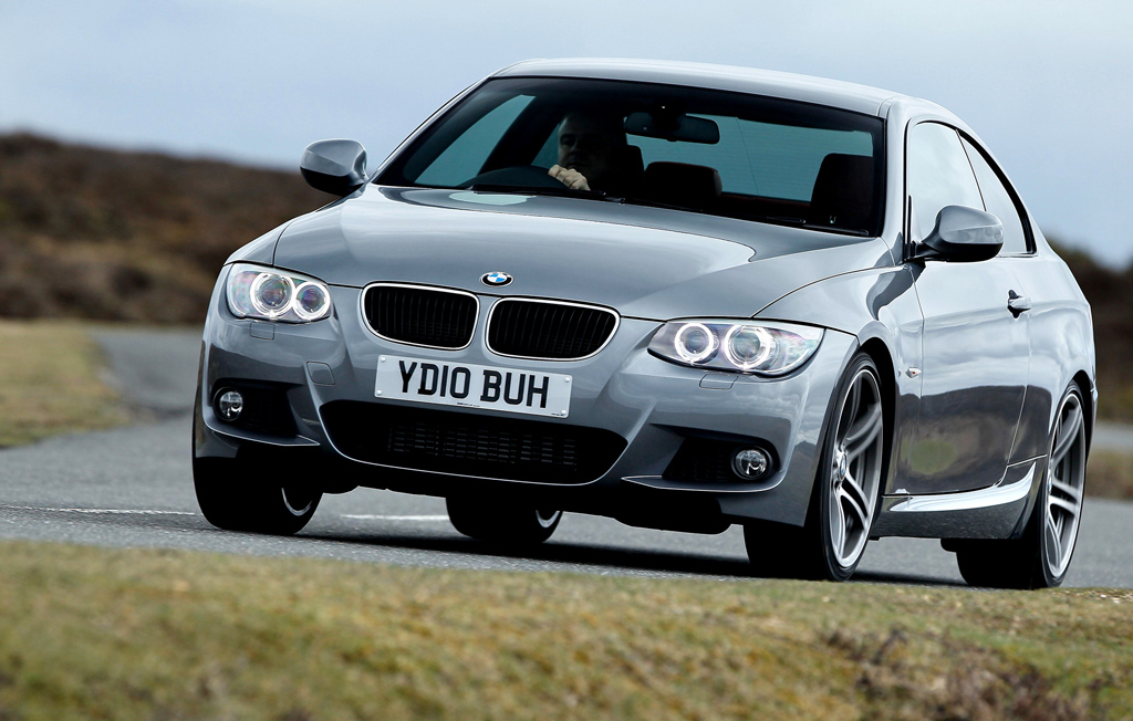 2010 bmw 3 series coupe and convertible receive m sport style photos 1 of 19. Black Bedroom Furniture Sets. Home Design Ideas