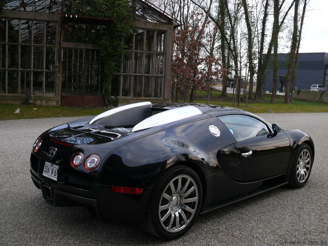 bugatti veyron up for auction photos 1 of 28. Black Bedroom Furniture Sets. Home Design Ideas