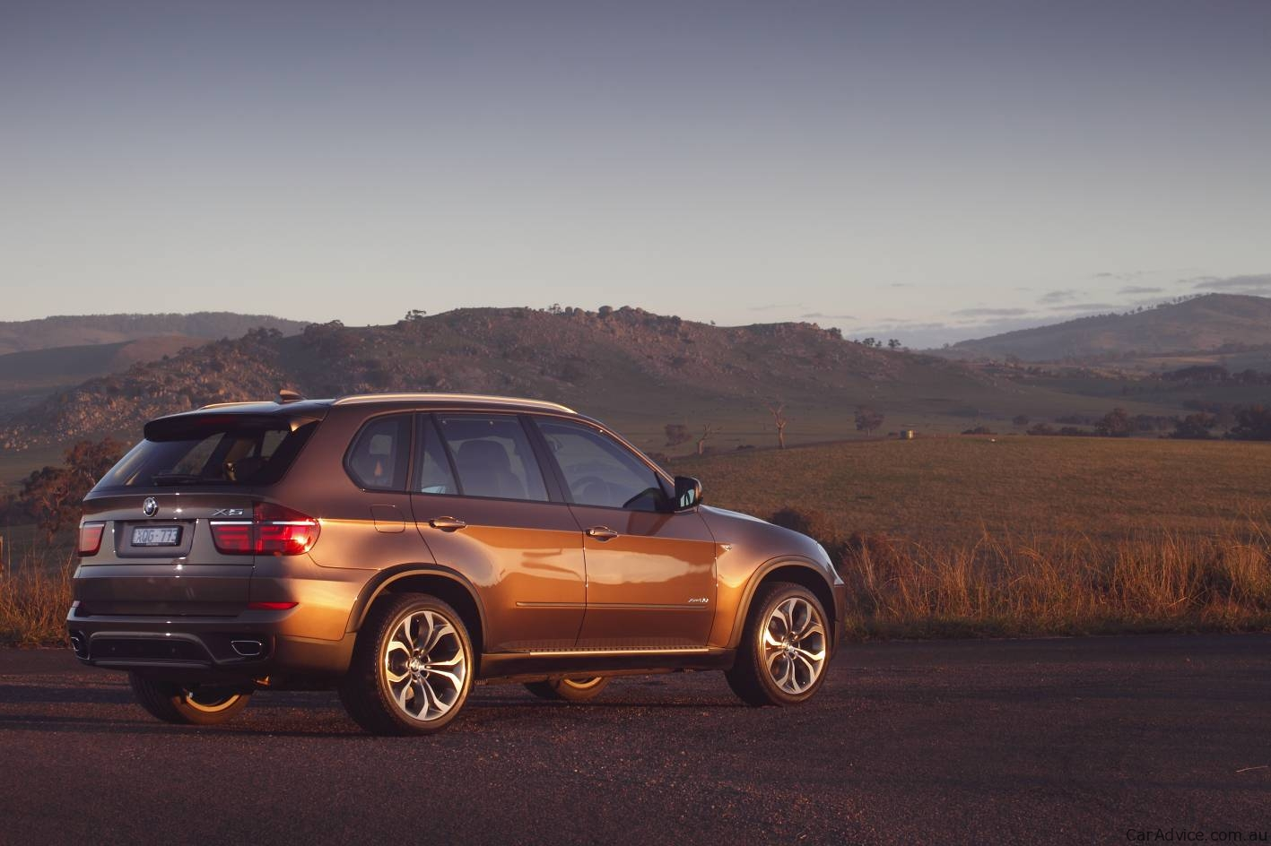 2010 bmw x5 update launched in australia photos 1 of 16. Black Bedroom Furniture Sets. Home Design Ideas
