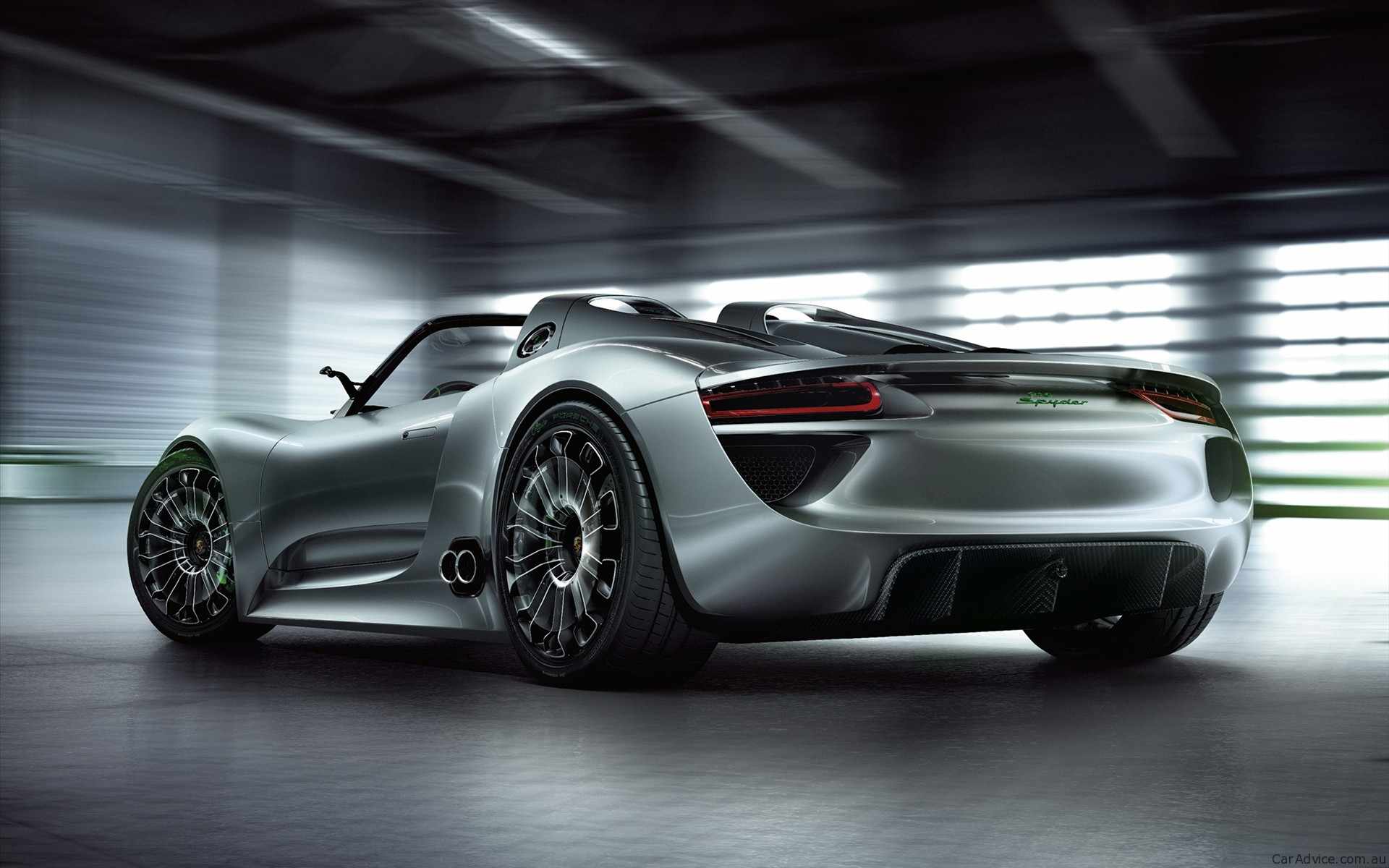 porsche 918 spyder purchase price to nudge 750 000. Black Bedroom Furniture Sets. Home Design Ideas