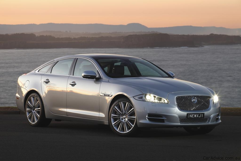 2010 jaguar xj goes on sale in australia photos 1 of 10. Black Bedroom Furniture Sets. Home Design Ideas